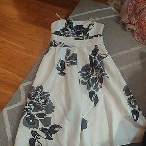 NWOT strapless dress